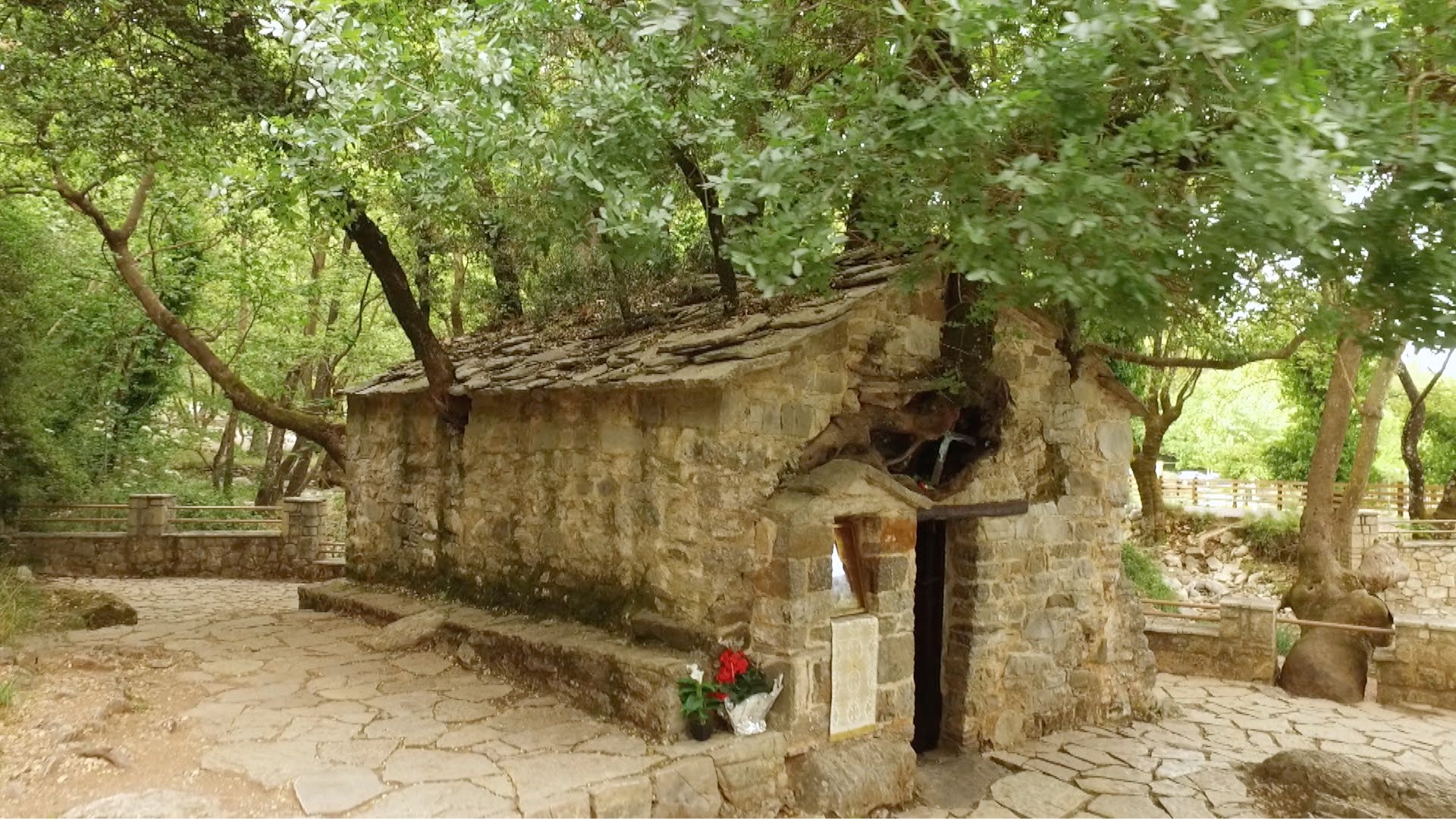Ναός της Αγίας Θεοδώρας στο χωριό Βάστα της Μεγαλόπολης