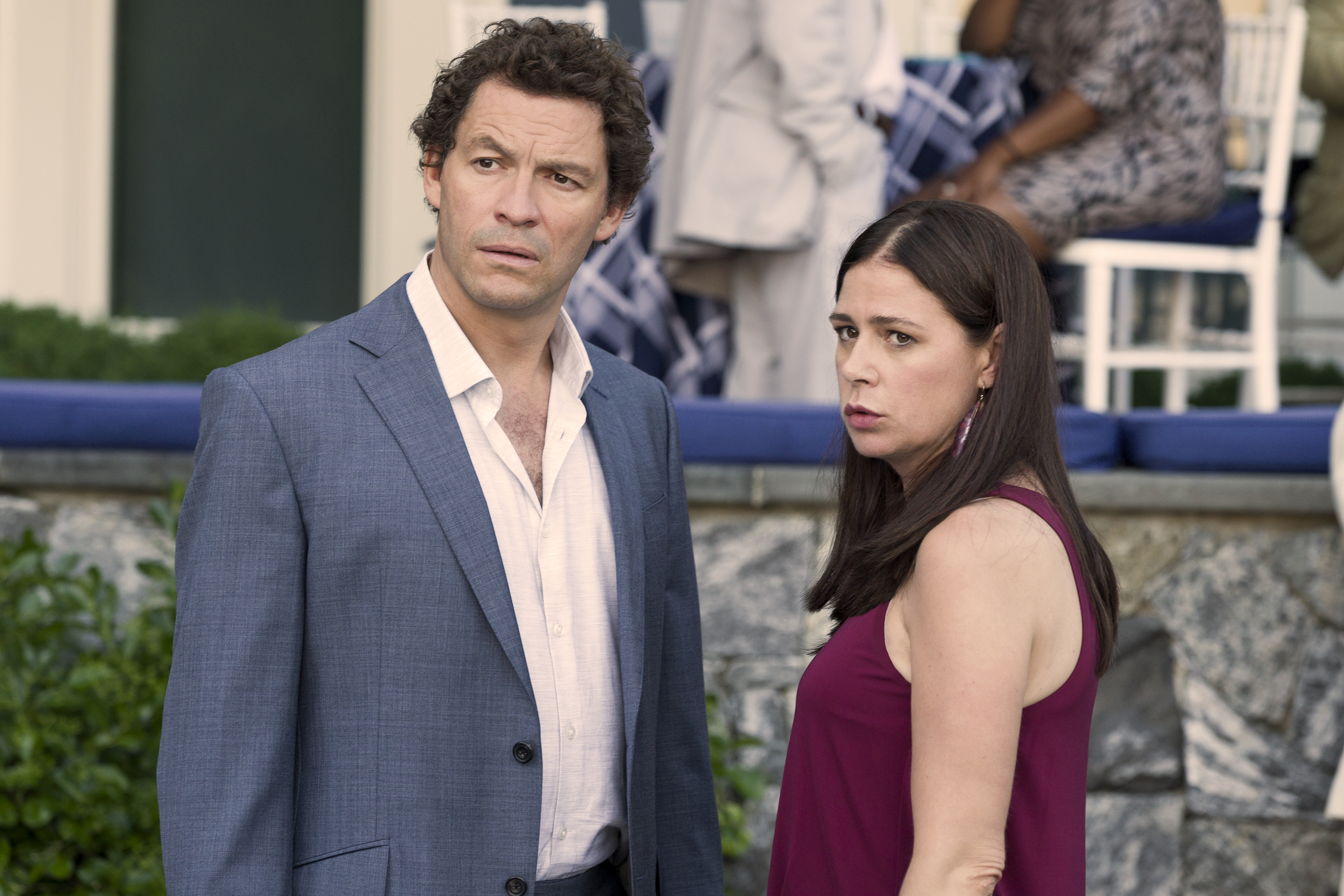 Dominic West as Noah and Maura Tierney as Helen in The Affair (season 1, episode 2). - Photo: Mark Schafer/SHOWTIME - Photo ID:  TheAffair_102_6528