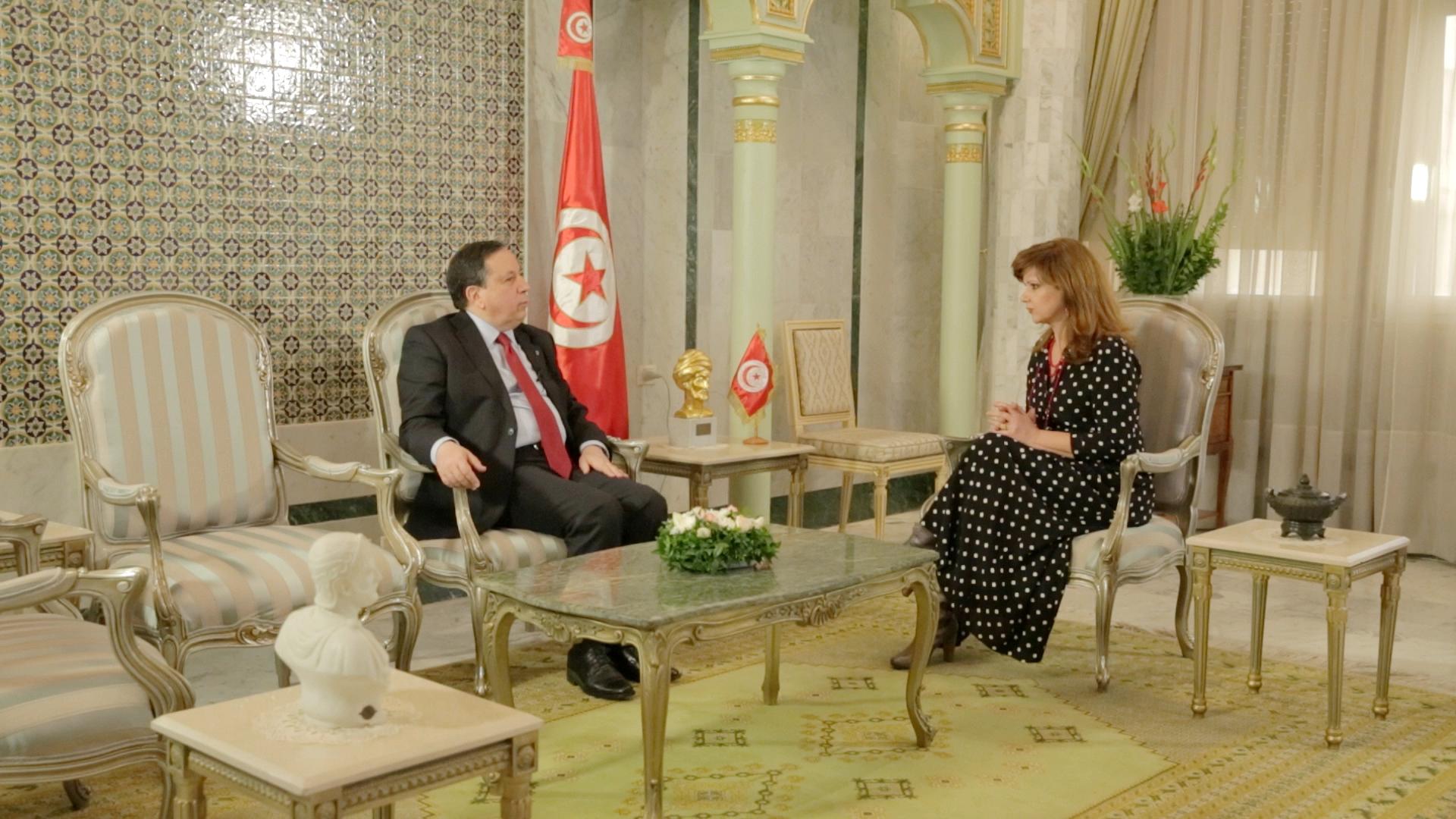 o υπουργός Εξωτερικών της Τυνησίας, Khemaies Jhinaoui, με την Έλενα Κατρίτση