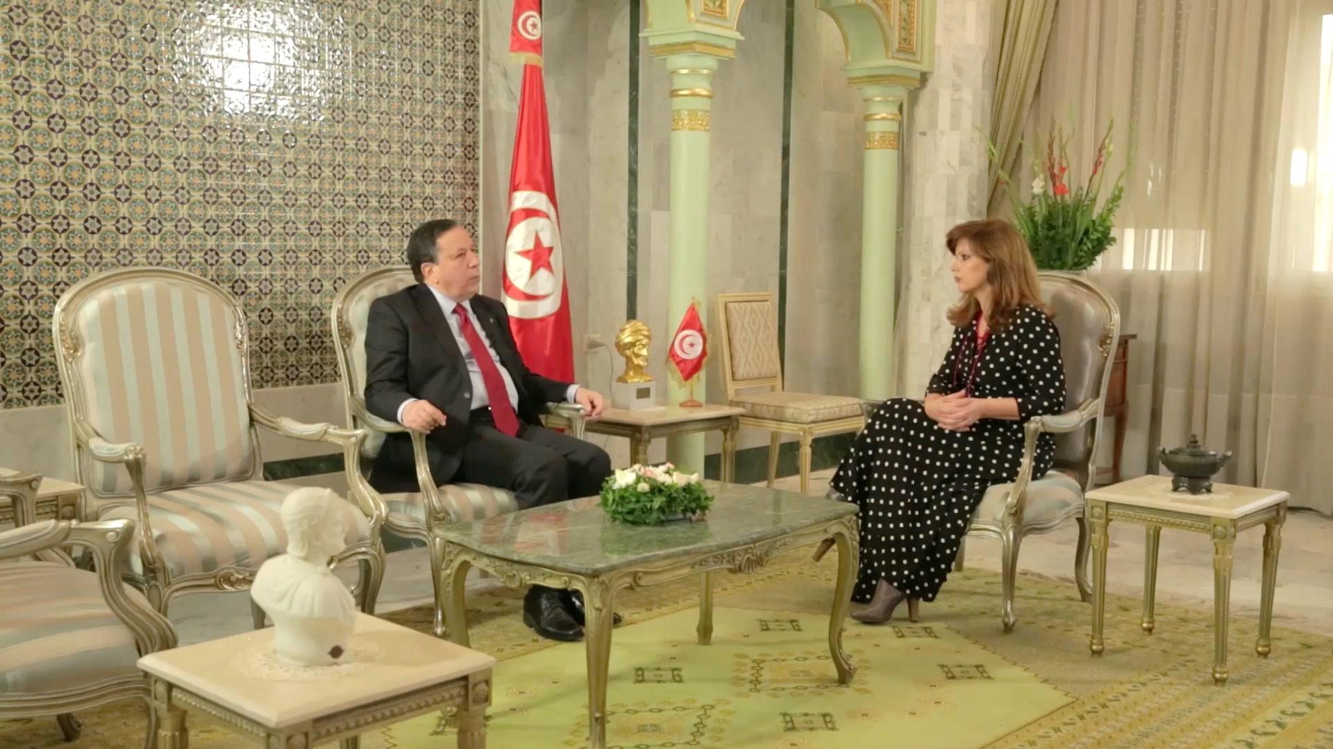 Ο υπουργός Εξωτερικών της Τυνησίας, Khemaies Jhinaou με την Έλενα Κατρίτση