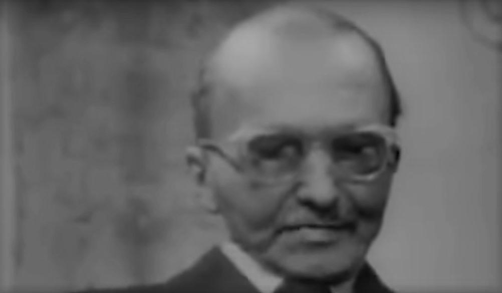 O Nίκος Καζαντζάκης στην τελευταία συνέντευξή του στη γαλλική τηλεόραση στις 22 Μαΐου 1957