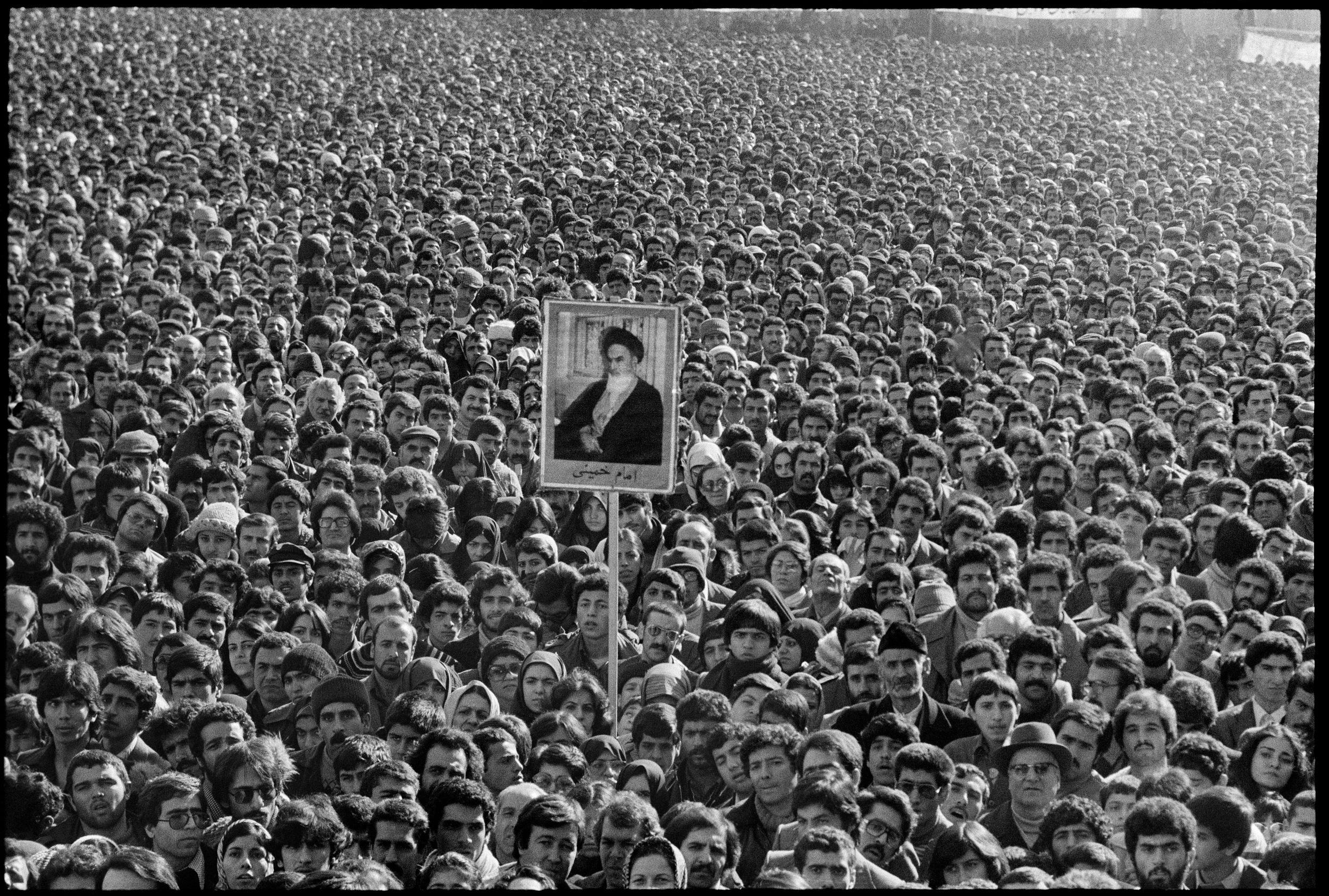 EP3 -copyright Abbas_Magnum Photos Teheran-Iran 1979 -1