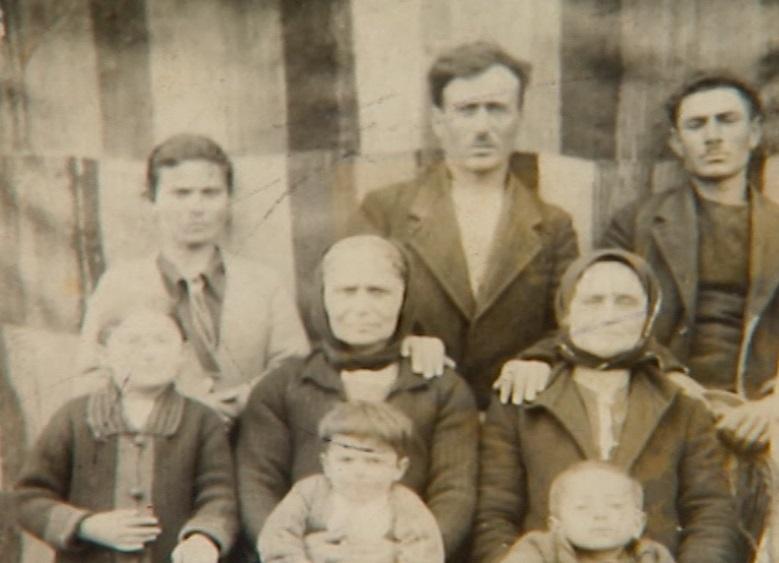 Η οικογένεια Αναστασιάδη πριν από την αναχώρησή της από τον Πόντο