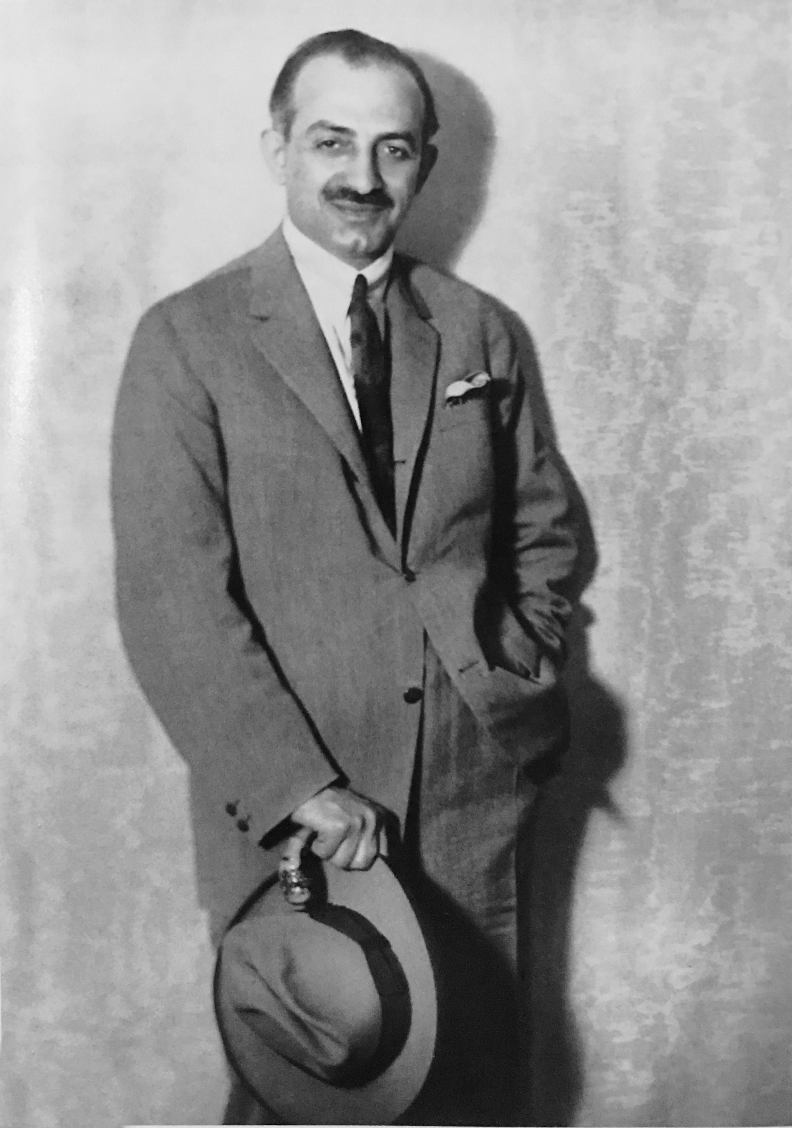 4e162e21bc Ο Δημήτριος Λαμπράκης ήταν δημοσιογράφος και εκδότης εφημερίδων. Υπηρέτησε  ως εθελοντής στον Μακεδονικό Αγώνα και τους Βαλκανικούς Πολέμους.